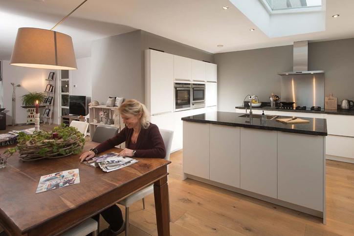 Home Design Keukens : Design keukens. jarenlang plezier. lage prijs. avanti