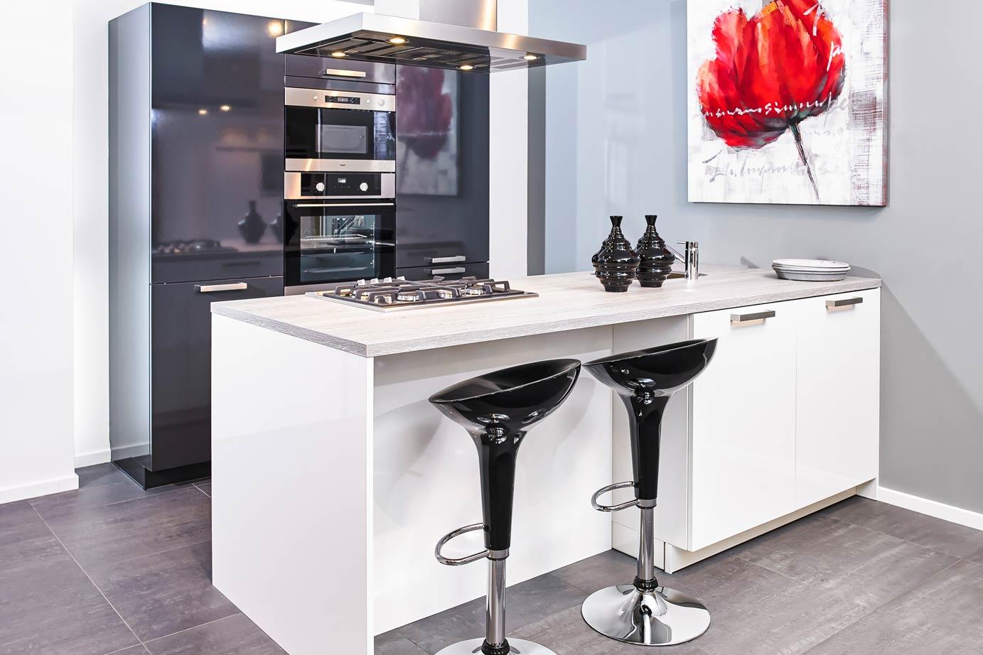 Keuken Kookeiland Zwart : Zwarte keukens in iedere stijl budget en opstelling avanti