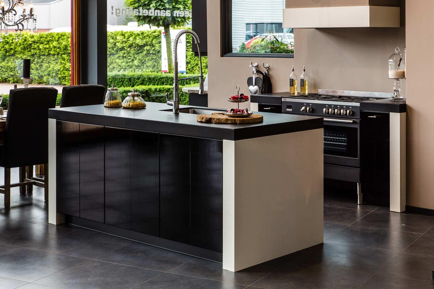 Hoogglans Keuken Of Niet : Keukenstijlen. Vind hier de meeste keukenstijlen. – Avanti