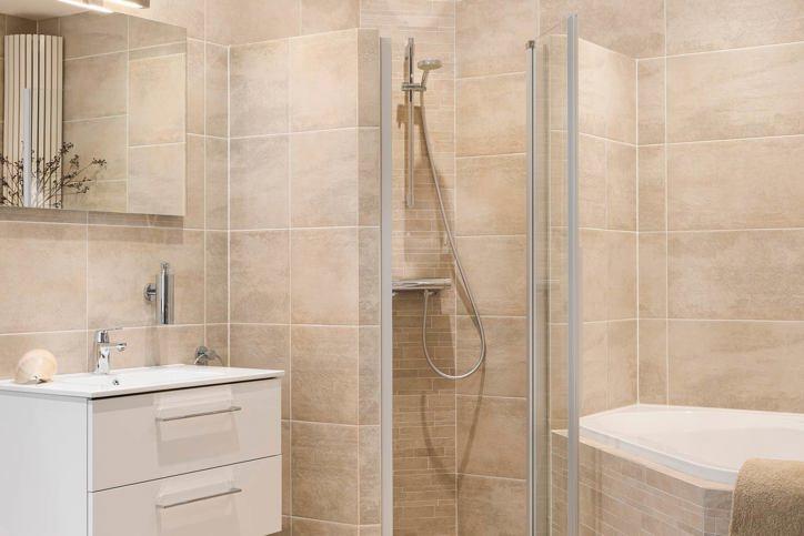 Tegels kopen hoogste kwaliteit scherpe prijs avanti for Wandtegels badkamer