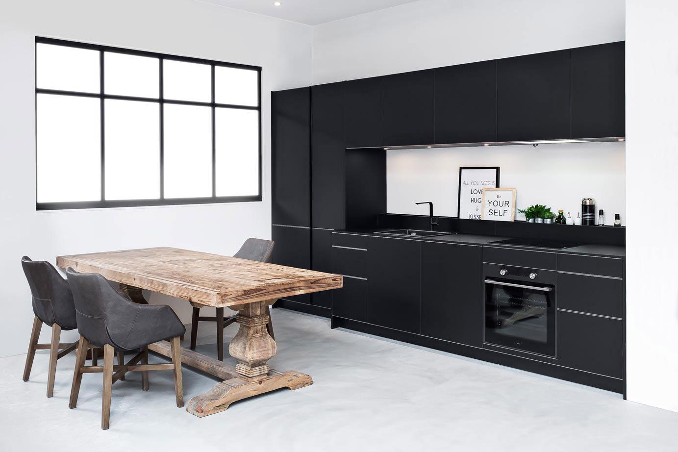 Zwarte Keuken Ideeen : Zwarte keukens in iedere stijl budget en opstelling avanti