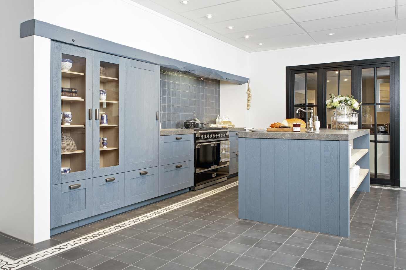 Grijze Houten Keuken : Houten keukens in elke stijl en opstelling avanti