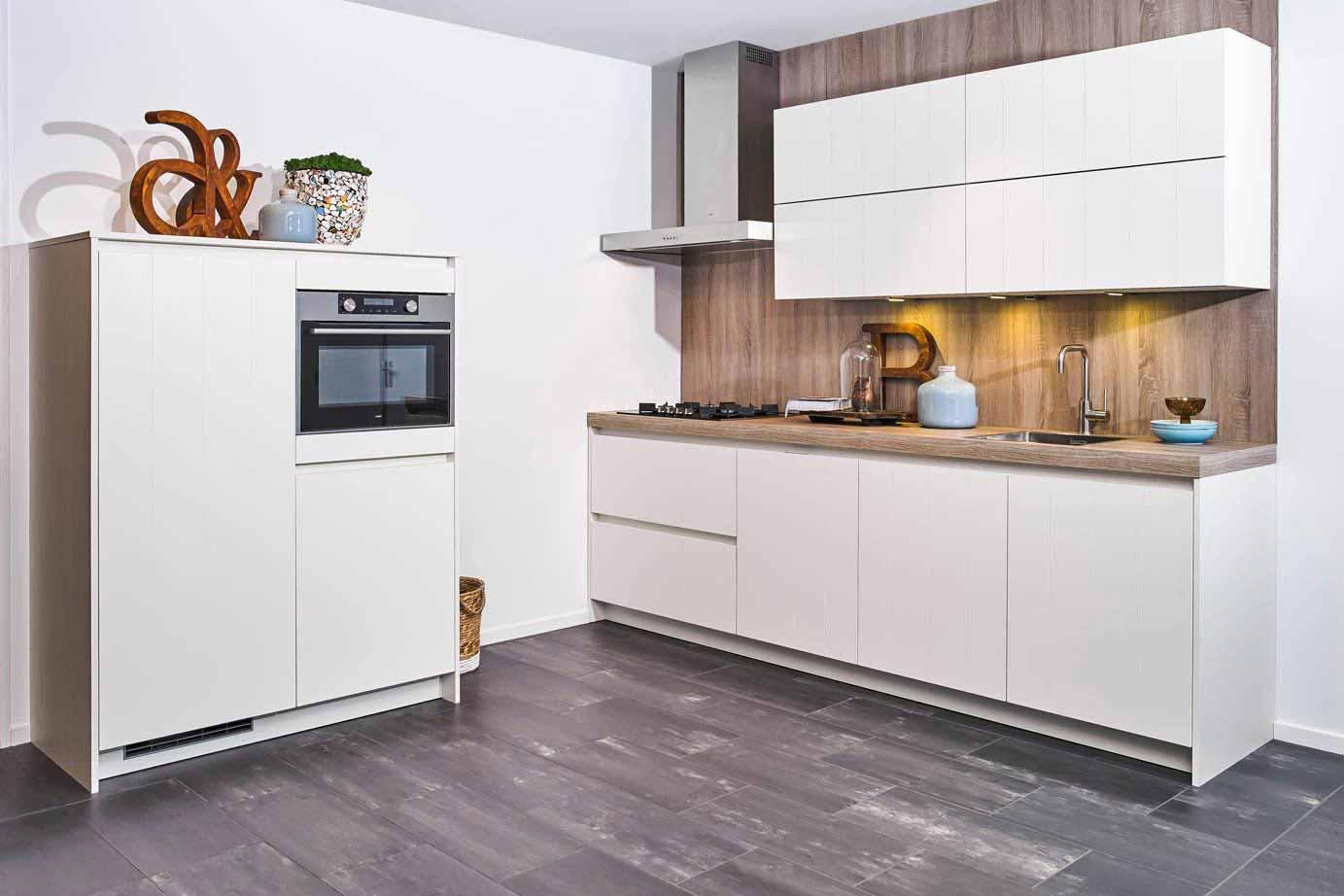 Kleine keuken bovenkastjes u informatie over de keuken